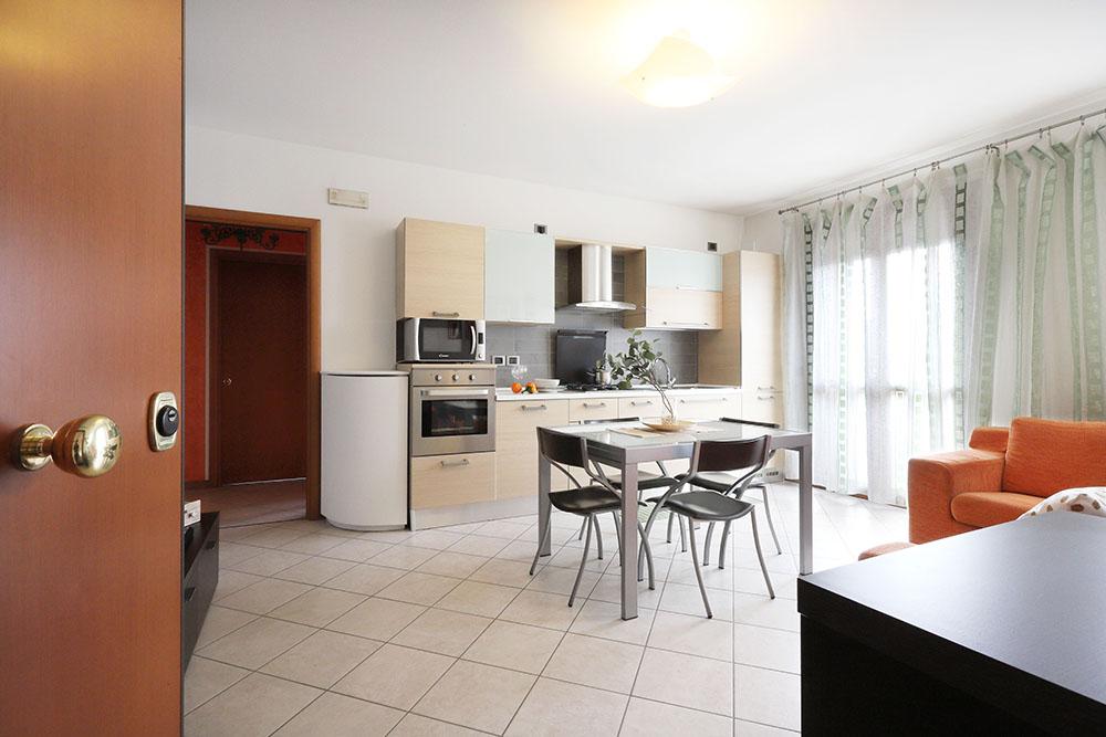 Vendita Appartamento Brugine BRU-04. Abitabile/Buono, Garage singolo, Riscaldamento Autonomo, Poggiolo, 82 mq.