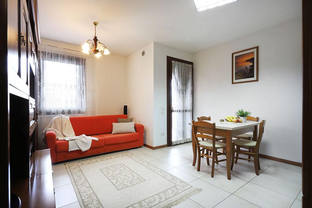 Vendita Appartamento Polverara POL-01. Abitabile/Buono, Garage singolo, Riscaldamento Autonomo, Poggiolo, 92 mq.