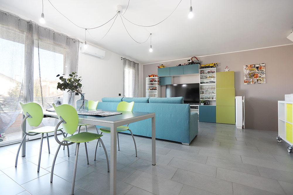 Vendita Appartamento Albignasego ALB-01. Abitabile/Buono, Garage singolo, Riscaldamento Autonomo, Poggiolo, 157 mq.