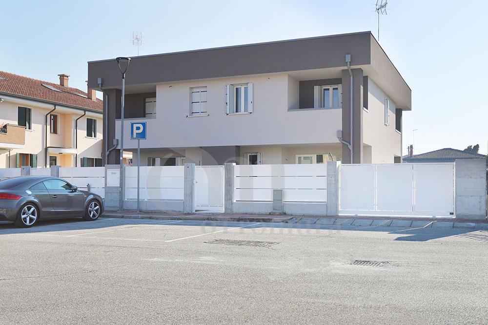 Vendita Porzione Sant'Angelo di piove di sacco SA-05. Nuovo, Garage doppio larghezza, Riscaldamento Autonomo, Poggiolo, 220 mq.
